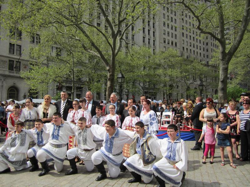 festival-romanesc-la-new-york-2011-deputat-mircea-lubanovici-15