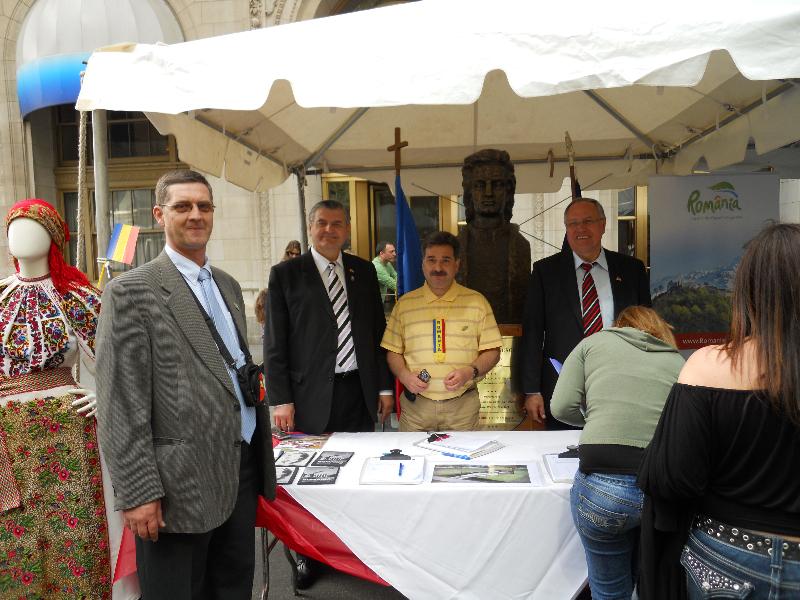festival-romanesc-la-new-york-2011-deputat-mircea-lubanovici-4