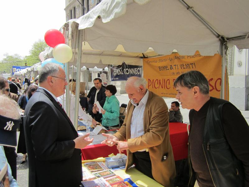 festival-romanesc-la-new-york-2011-deputat-mircea-lubanovici-9